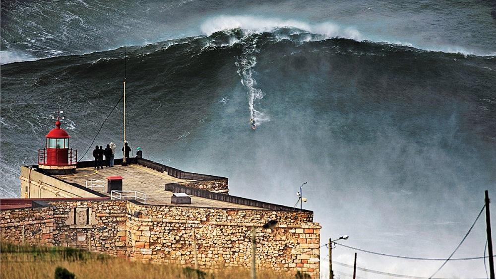 Surf à Nazaré